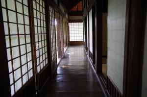 千反田廊下
